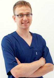 lekarz stomatolog-Arkadiusz Górski-centrum stomatologiczne demed-płock